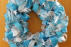 Manualidades con papel de aluminio y latas de aluminio para reciclar - KENA Tin Can Crafts, Color Plata, Erika, Hanukkah, Wall Decor, Wreaths, Diy, Home Decor, Farmhouse Rugs