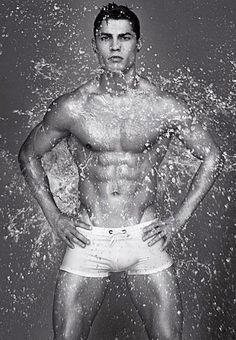 Hot Cristiano Ronaldo Pictures | POPSUGAR Celebrity