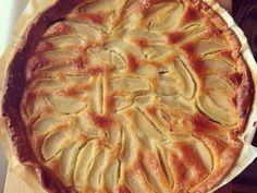 Tarte poire, chocolat, amande - Recette de cuisine Marmiton : une recette