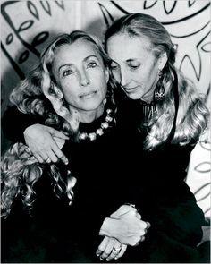 Franca (Mantova, 20 gennaio 1950) e Carla (1947) Sozzani. Gemelle a scoppio ritardato!