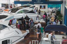 """Nem mesmo a chuva comprometeu os negócios gerados nos primeiros dias do Festival Náutico Tedesco Marina. O evento, que segue até hoje(8), já movimentou mais de R$ 15 milhões, entre venda de embarcações, produtos de luxo e um helicóptero. """"E"""