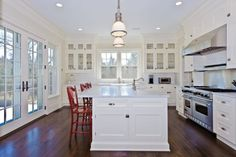 Beautiful and bright with natural lightening. Would prefer brick arch over stove top