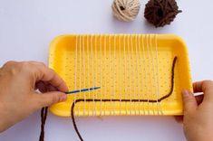 Hobbies For Kids, Hobbies And Crafts, Diy For Kids, Weaving Loom Diy, Macrame Bracelet Tutorial, String Crafts, Weaving Designs, Flower Phone Wallpaper, Woven Wall Hanging
