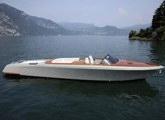 External view Riva Yacht - Aquariva by Marc Newson  #yacht #luxury #ferretti #riva