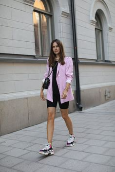 Sneakers fashion outfits, sneakers style, fashion group, only fashion, wo. Pink Blazer Outfits, Sneakers Fashion Outfits, Blazer And Shorts, Dress Outfits, Casual Outfits, Sneaker Outfits, Blazer Dress, Black Outfits, Fashion Sandals
