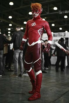 Probably should be yellow, but acceptable Flash Cosplay, Male Cosplay, Cosplay Diy, Best Cosplay, Cosplay Ideas, Cosplay Style, Wally West, Gay Costume, Cosplay Costumes