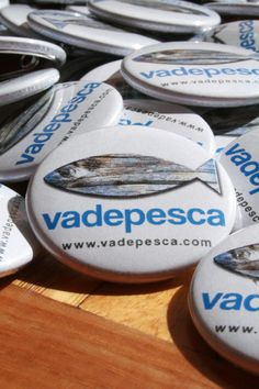 "Great badges designed by the people from ""Vadepesca.com"""