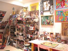 more of Jennifer Beinhacker's studio. Do I display my own art? why or why not?