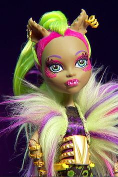 Well this was totally a surprise, fused together as one Clawdeen and Venus