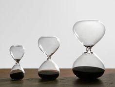 砂時計。ガラスならではの綺麗な曲線。