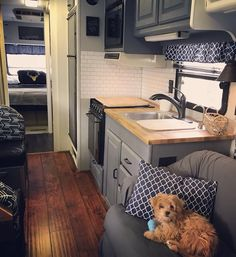 Best Rv Camper Interior Remodel Ideas, Today, you'll find all kinds of campers. Sometimes older campers require an easy face lift or a comprehensive makeover and if you're a camper operator. Kombi Trailer, Camper Trailers, Rv Camping, Glamping, Camping Hacks, Camping Checklist, Camping Essentials, Beach Camping, Camping Outdoors