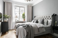 13 Cool Gray Bedroom Ideas to Your Bedroom - Bedroom Design Gray Bedroom, Home Decor Bedroom, Modern Bedroom, Bedroom Curtains, Bedroom Ideas, Long Curtains, Master Bedroom, Grey Curtains, Bedroom Rustic