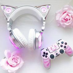 Top Tips, Tricks, And Methods For The Perfect gaming Girly Things, Cool Things To Buy, Stuff To Buy, Cute Headphones, Kawaii Bedroom, Mode Kawaii, Otaku Room, Accessoires Iphone, Gaming Room Setup
