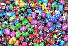 Krakow, Poland: Hand-painted Easter eggs for the tradional Easter market in Krakow's main square. Photograph by Art Widak/Demotix/Corbis Candy Gift Baskets, Candy Gifts, Polish Easter Traditions, Christmas Traditions, World Quiz, Eggs For Sale, Easter Weekend, Easter Celebration, Happy Easter