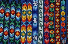 Huichol Beading so pretty. Peyote Patterns, Loom Patterns, Beading Patterns, Beading Ideas, Bracelet Patterns, Native Beadwork, Native American Beadwork, Bead Loom Bracelets, Woven Bracelets