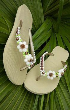 Flat Sandals, Flip Flop Sandals, Shoes Sandals, Beach Basket, Cute Flip Flops, Shoe Art, Summer Nails, Diy And Crafts, Swarovski