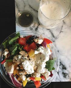 🥗🌞오늘 #샐러드 #꿀맛 🌞🥗 날씨도 #꿀날씨 🤞🏼 이름도 귀여운 #치와와타코 💛 #그릭치킨샐러드 #loveit Cobb Salad, Food, Essen, Meals, Yemek, Eten