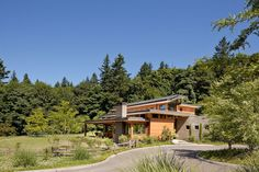Portland Skyline byNathan Good Architects Architects:Nathan Good Architects Location:Portland, Oregon, USA Year: 2014 Photo courtesy:Jeremy Bittermann Description: Settled in the slopes just toward the west of Portland, this rich home for a group of five is a decent case of mixing natural building execution with style. Our customers asked for a plenitude of characteristic light,