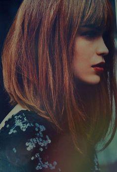 coupe carré plongeant long, coiffure jolie pour toutes les dames