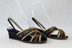 Wonderfully pretty 1940s floral embroidery wedge shoes