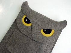 Felt Owl iPad case.... Do you have an ipad, @Cameo Carolyn? I'll make you one of these! Eyes need to look sweeter though. And maybe a bow? Or some little owl bling?
