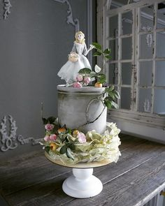 Elena Gnut, Stunning cakes that will blow you away - Ego - AlterEgo Gorgeous Cakes, Pretty Cakes, Cute Cakes, Amazing Cakes, Yummy Cakes, Vintage Tea Parties, Gateaux Cake, Painted Cakes, Decorated Cakes