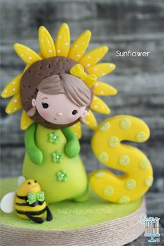 Little #Sunflower ❤️ #fondant #caketopper #sugarhighinc