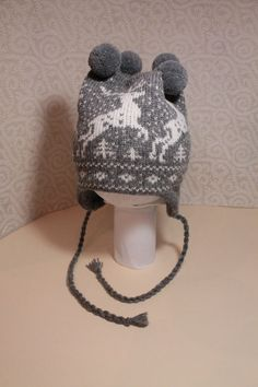 Wonderful hand-made winter hats with deer pattern by LanaNere