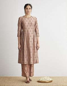 Buy Rose Pink Hand Embroidered Kurta Set by Dhruv Singh Available at Ogaan Online Shop Stylish Dresses For Girls, Stylish Dress Designs, Designs For Dresses, Pakistani Fashion Casual, Pakistani Dress Design, Indian Fashion, Pakistani Dresses, Dress Indian Style, Indian Outfits