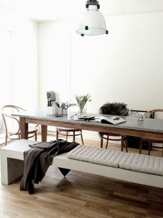 stool with dining table and chairs via Hitta hem Bench Table And Chairs, Chair Bench, Bench Seat, Stool, Concrete Dining Table, Zinc Table, Dining Tables, Dining Area, Interior Architecture