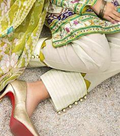 Pakistani Fashion Casual, Indian Fashion Dresses, Pakistani Dress Design, Pakistani Dresses, Girls Frock Design, Fancy Dress Design, Stylish Dress Designs, Neck Designs For Suits, Sleeves Designs For Dresses