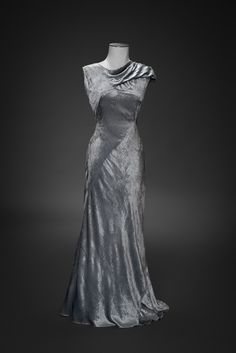 Evening gown | 1930-1935 | Museum of Costume & Lace, Brussels
