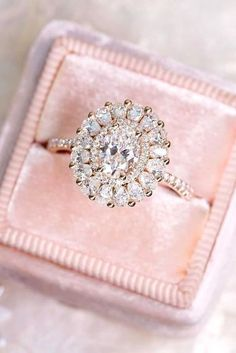 engagement rings oval