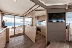 Internal view Ferretti Yachts - Ferretti 690 #yacht #luxury #ferretti