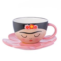 Beautiful Frida Kahlo Cup & Flower Saucer set from Sass & Belle. Round teacup featuring Frida's face and a cute pink flower-shaped saucer. FREE UK Delivery on orders over Cup And Saucer Set, Tea Cup Saucer, Tea Cups, Pretty Flowers, Pretty In Pink, Pink Flowers, Cafe Logo, Frida Art, Mexico Culture