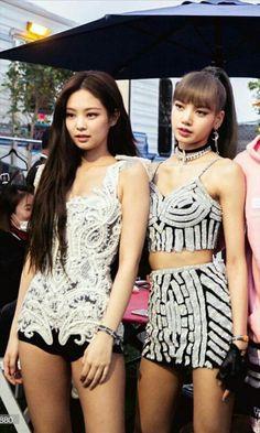 Kim Jennie, South Korean Girls, Korean Girl Groups, K Pop, Bff, Besties, Black Pink Kpop, Blackpink Memes, Blackpink Photos