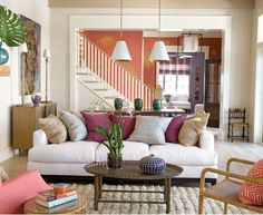 Vibrant colors in a tropical modern living room How to Bring Caribbean Style Home Mid Century Modern Color Schemes mid century modern living rooms images Home Living Room, Living Room Designs, Living Spaces, Cottage Living, Cozy Cottage, Sala Tropical, Sweet Home, Coastal Living, Southern Living