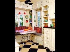 Ideas For Kitchen Retro Decor Checkered Floors Casa Retro, Kitchen Nook, Kitchen Ideas, Kitchen Inspiration, Kitchen Tile, Kitchen Designs, Kitchen Cabinets, Kitchen Seating, Kitchen Grey