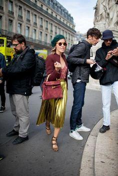 74cab07c3d31 48a17df0cdc4fb450c74d687a3c1d82e Уличная Мода В Париже, Недели Моды В  Милане, Юбка Цвета Металлик, Джинсовые