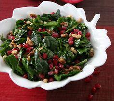 Ispanak Salatası    Malzemeler:        1 kg ıspanak      2 adet tanelerine ayrılmış nar,      2 su bardağı iri dövülmüş ceviz,      1 demet doğranmış maydanoz,      1 demet doğranmış dereotu,      Yarım demet doğranmış taze soğanın yeşil kısımları,      Sosu; az zeytinyağı, tuz, nar ekşisi,