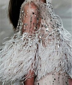 NY Fashion Week Spring by Editions Couture Fashion, Runway Fashion, Fashion Beauty, Womens Fashion, Chanel Couture, Ladies Fashion, Couture Details, Fashion Details, Fashion Design