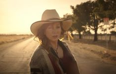 """REBA MCENTIRE DEBUTS """"SOMEHOW YOU DO"""" MUSIC FILM [WATCH] Top Country Songs, Country Music News, Country Singers, Reba Mcentire, Film Watch, Music Film, Superstar, Cowboy Hats, Tv"""