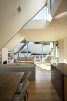The roof angles engage the room well.  Salamanca house, Wellinghton, 2008