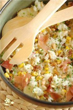 Salade de riz, maïs, ananas, pamplemousse, raisins secs, pignons et jambon de Parme_2