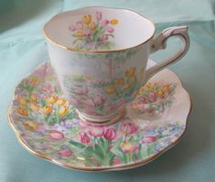 ✿ڿڰۣ(̆̃̃❤Aussiegirl  #China #Charm Royal Albert Tulip