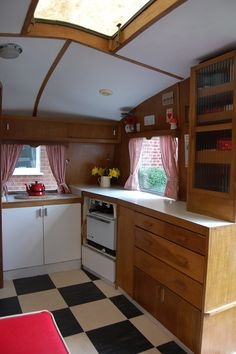 Vintage Cheltenham Caravan... spotless! One day mine will be at this point!!!