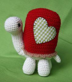Turtle amigurumi crochet pattern by CAROcreated on her Etsy shop.