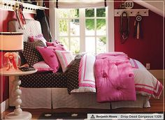brown and pink girls' room.