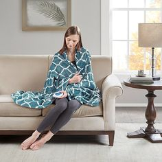 Cuddle under the Beautyrest Ogee Oversize Heated Throw to keep those chilly days away. With state of the art Secure Comfort Technology and a temperature control, this warm and cozy blanket is perfect for brisk weather. Electric Throw Blanket, Heated Throw Blanket, Oversized Throw Blanket, Stay Warm, Warm And Cozy, High Fashion Home, Cozy Blankets, Teal Blue, Stylish