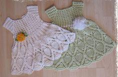 Ancora un modello stupendo di abito per bambina all'uncinetto.